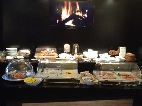 Hotel am Rothenbaum: ontbijtbuffet