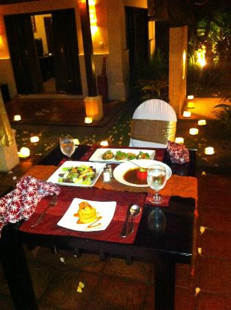 The Ulin Villas & Spa: In villa 5 course dinner