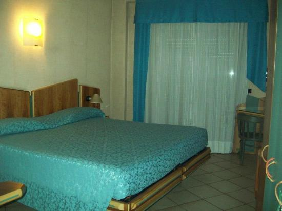 Hotel Sunflower: stanza molto accogliente
