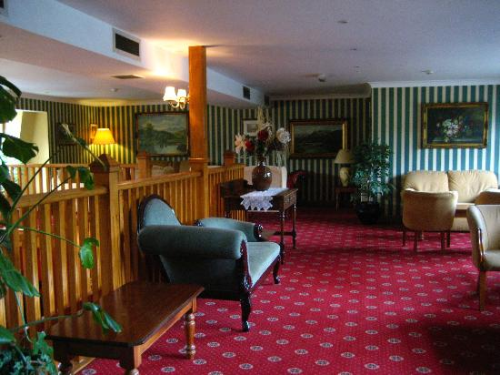 Lynhams Hotel: Public area second floor