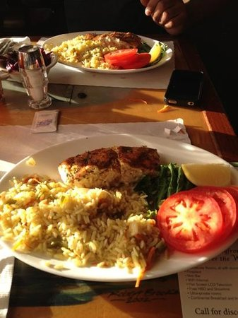 Great American Fish Co : Alaskan Halibut lunch special