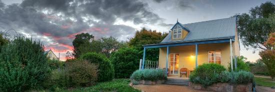 Vineyard Cottages and Cafe: Two Bedroom Cottage