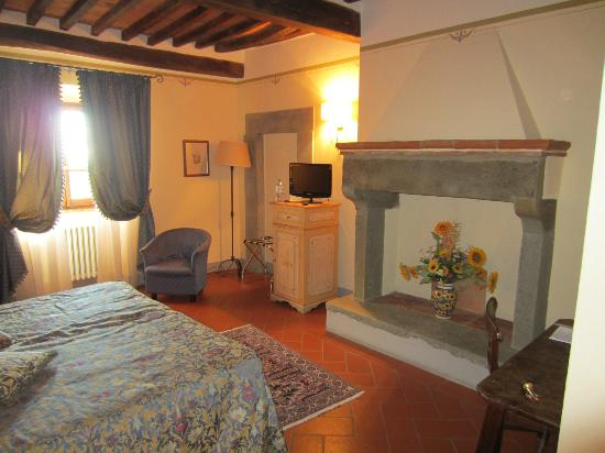Relais Borgo San Pietro: Room #123...very spacious