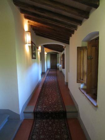 Villa Borgo San Pietro: Corridor