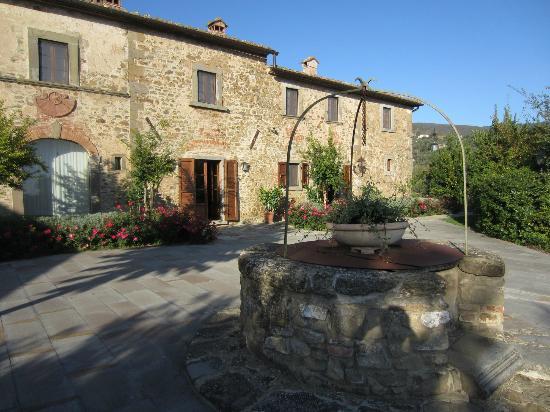 Villa Borgo San Pietro: Main building