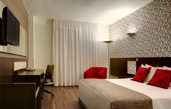 Quality Hotel Curitiba: Superior Room with King size bed