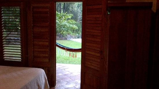 La Villa de Soledad B&B: Doors leading to my hammock.