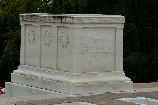 Arlington National Cemetery: Tomb of the Unknown.