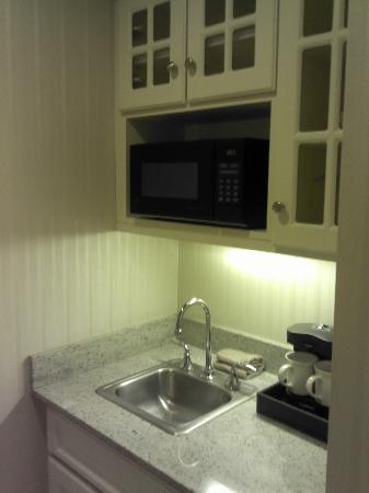 The Benjamin: Nice Little Kitchen Alcove in the Room I Was In