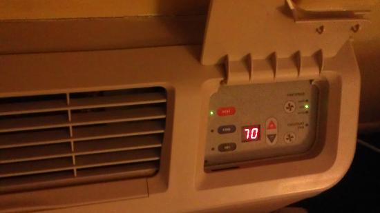Rodeway Inn: Futuristic Thermostat