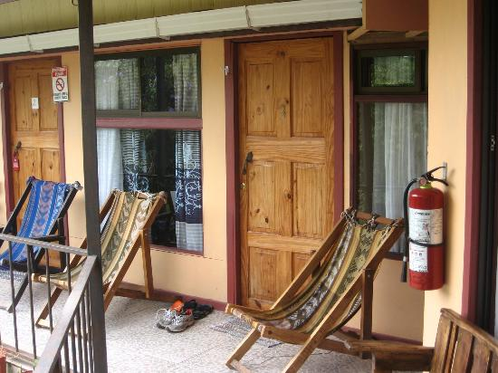 Cabinas El Pueblo Bed & Breakfast: Door to Room #10