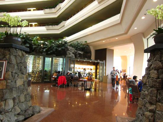 Hyatt Regency Jeju: Lobby and the main breakfast / restraurant