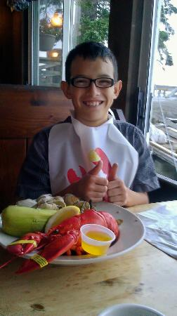 Morse's Cribstone Grill: My son and his dinner...