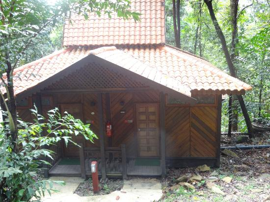 Berjaya Langkawi Resort - Malaysia: Our rain Chalet room