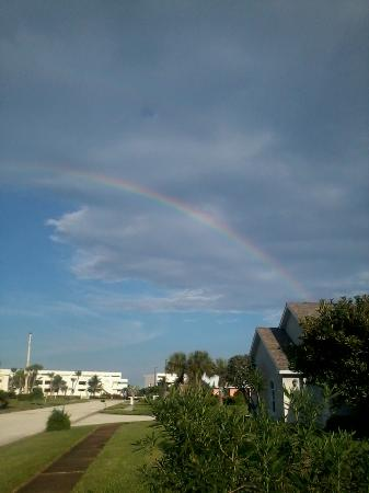 Tropical Inn Resort: A rainbow from another sunny day rain on ths Space Coast