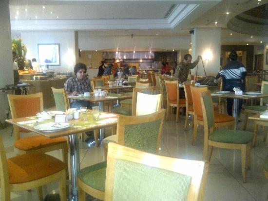 Royale Chulan Bukit Bintang: 1st floor restaurant