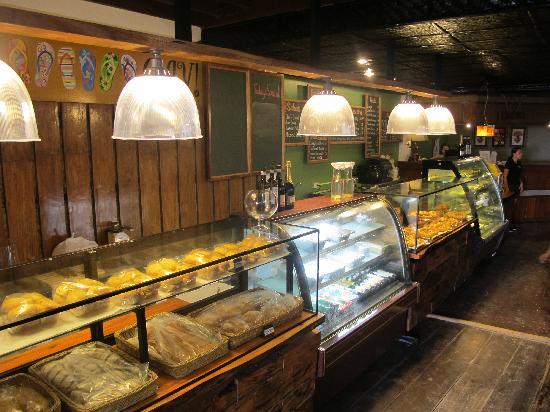 OJ's Roast Bake Grill: 10-meter food counter