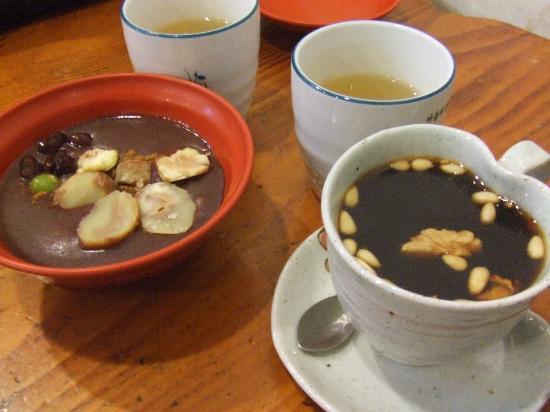 Seoureseo Duljjaero Jalhaneunjip: ソウルでニ番目においしい店 タンパッチュと生姜茶