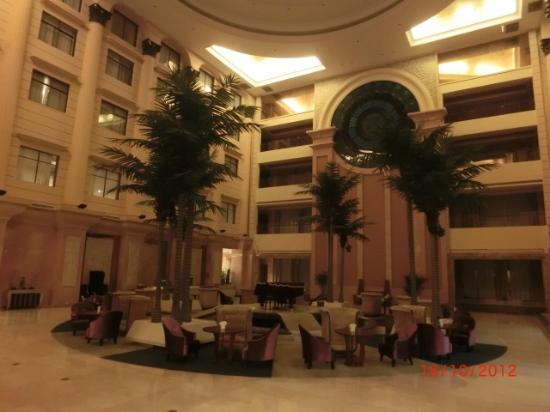 Jun'an International Hotel: Indoor Courtyard