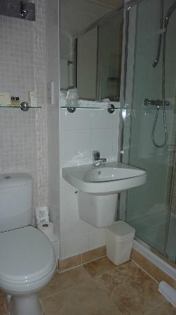 The Twenty One: Bathroom