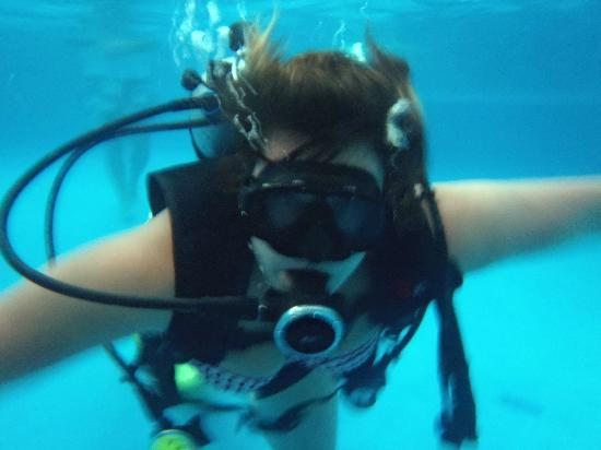 Lets Get Wet Water Adventures: Discover Scuba in the pool