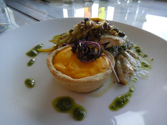 Relish Waterfront Dining: Fish, pernod and carrot tartlet, preserved lemon and caper buerre noisette and sauté leek