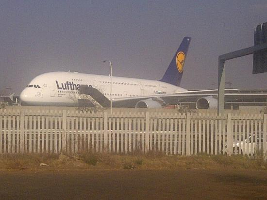 Protea Hotel O.R. Tambo Airport: Seen the A380 as we entered the ORT Protea