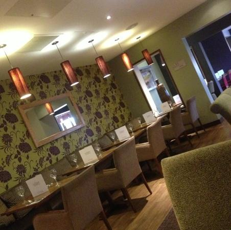 Premier Inn London Hanger Lane Hotel: the restaurant.