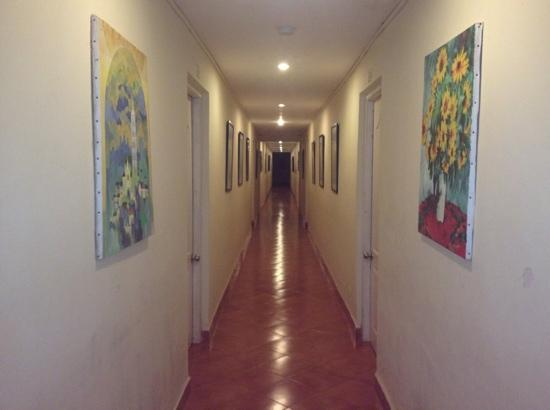 Chalston Beach Resort: corridor