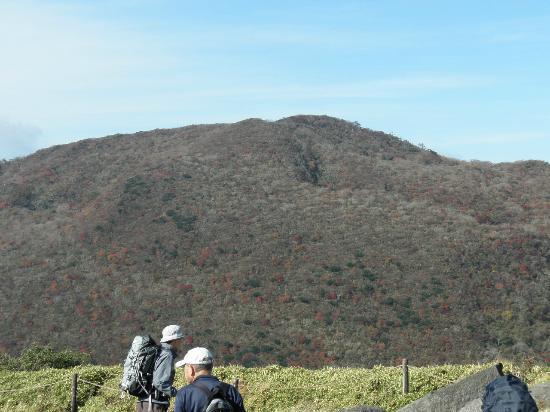Mt. Kamiyama: 駒ケ岳山頂から見た神山