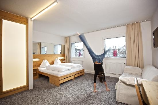 Modern Hotel Rooms enjoy our modern hotel rooms with free wifi, cable-tv, cd/dvd