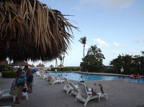 Days Hotel - Thunderbird Beach Resort : piscine