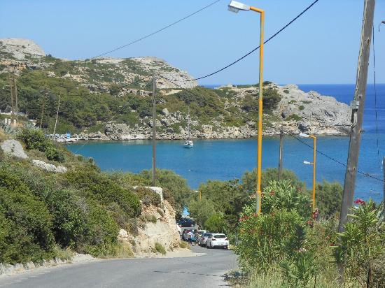 Agios Pavlos Beach (Saint Paul): vista dalla strada
