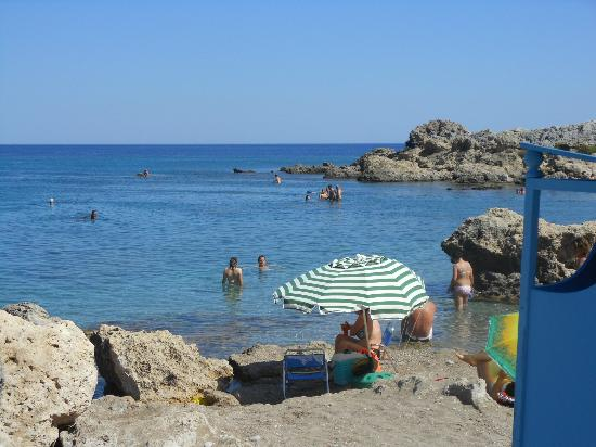 Agios Pavlos Beach (Saint Paul) : non c'è più posto