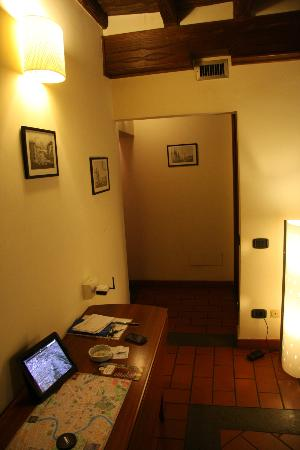 Apartments Casa Navona: hall / salon
