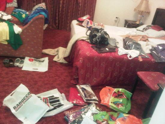 Panorama Hotel Bur Dubai: The room is a mess after my shopping spree! Lol.