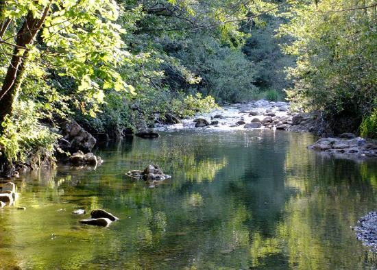 Sant Llorenc de la Muga, Spain: River Muga