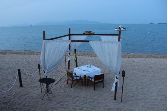 Hansar Samui Resort: Dining under the stars