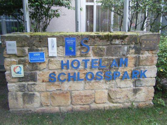 Hotel Am Schlosspark: Hotel main entrance