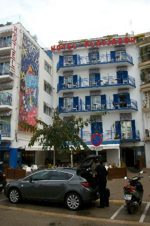 Hotel Platjador: Front of the hotel