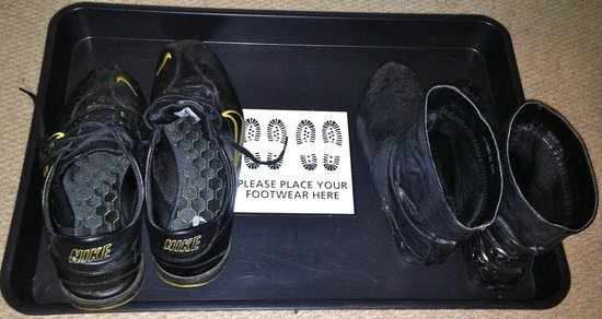 The Lynwood Guest House: Shoe tray is a great touch