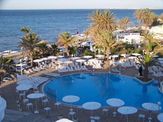 El Mouradi Skanes: Pool und Meer