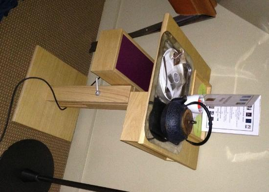 Bel Ami Hotel: the offending cuppa (sans cup)... but an a very nice side table