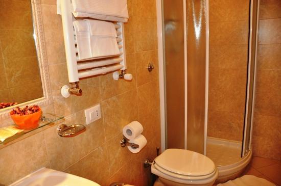 Tiffany Roma Suite: bagno