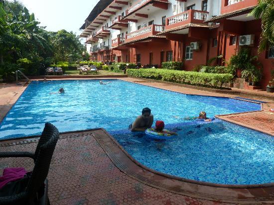 Chalston Beach Resort: Swimming pool.excellent