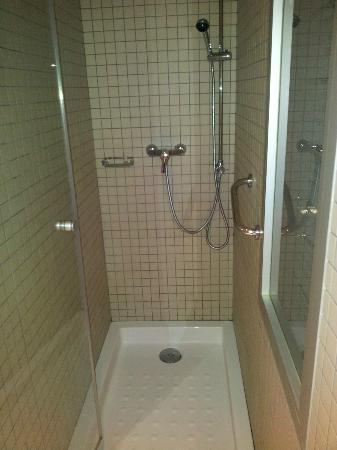 Leonardo Boutique Hotel Barcelona Sagrada Familia : bathroom