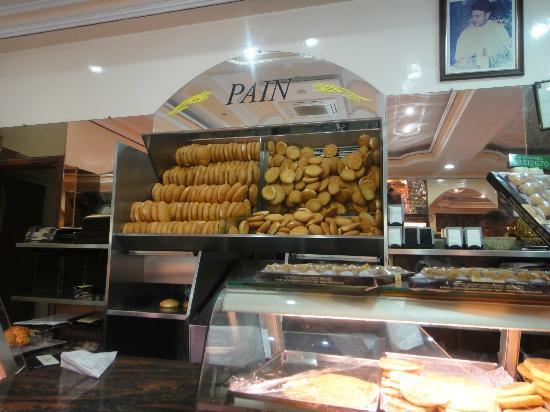 Patisserie Tafarnout: Le pain