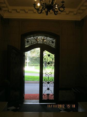 Rujin Hotel Taiyuan Villa: Entrance door
