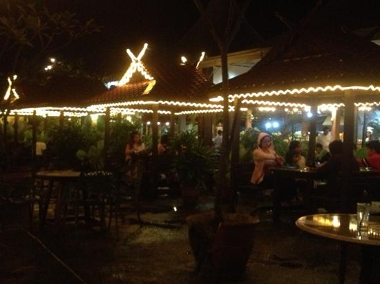 Telaga Seafood Restaurant: Telaga Arabic at night