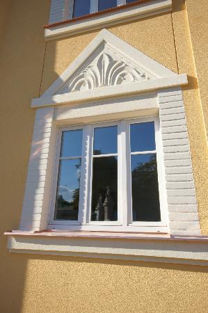 Garni Rambousek: Window